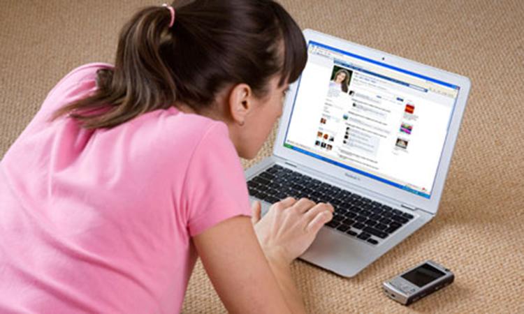 Как общаться с парнем в интернете примеры4