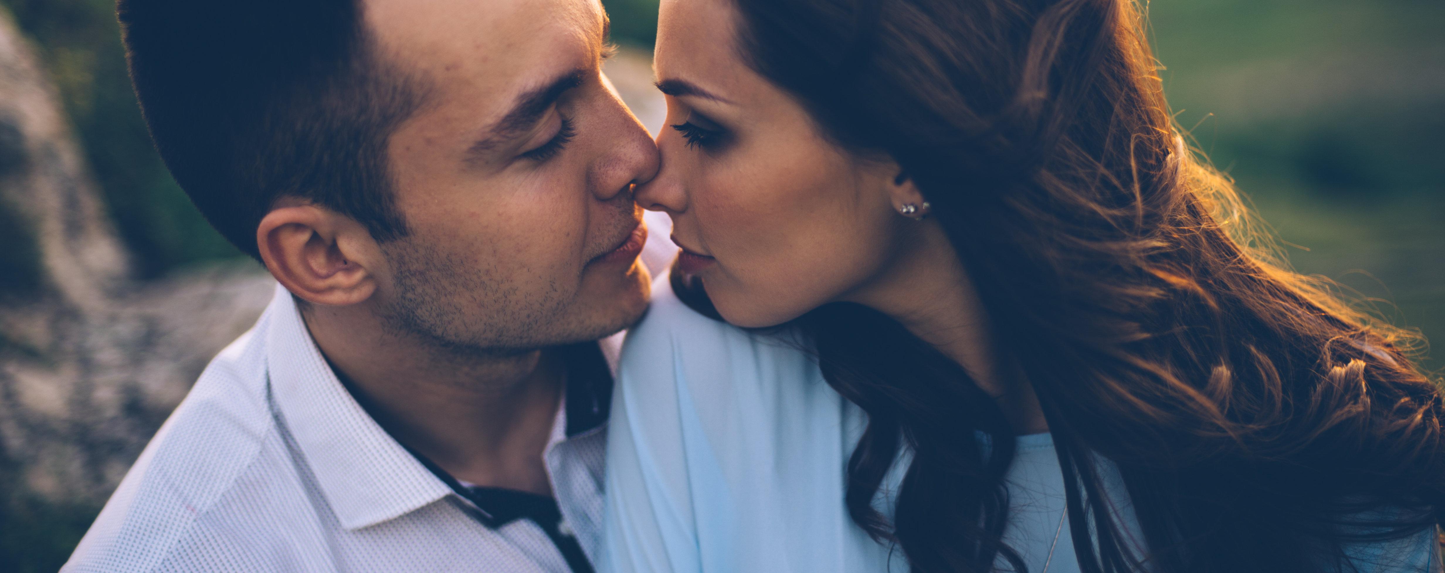 14 признаков, как узнать, что девушка тебя любит - фото 4
