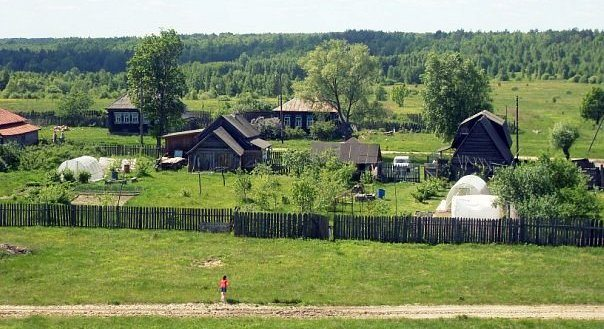 Историю людей переехавших жить в деревню